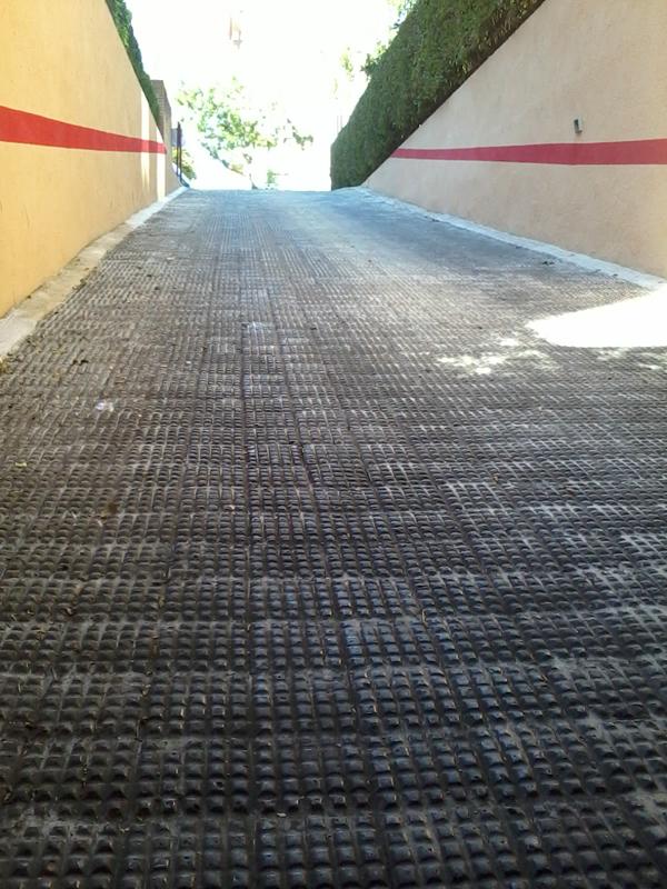 Servicios de limpieza y tratamiento de suelos en sevilla - Rampas de garaje ...